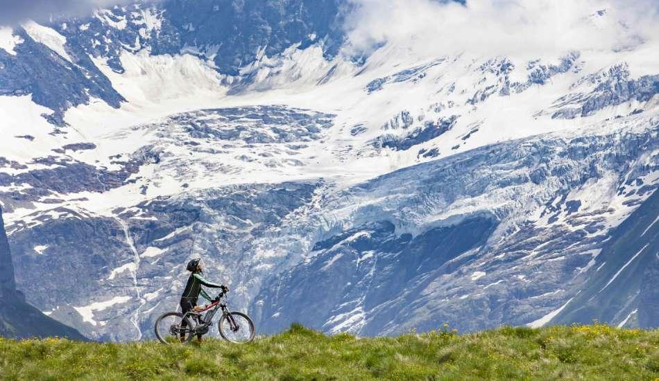 Biking_oberland_alpenrose